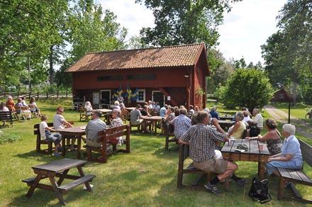 Hembygdsparken strax intill campingplatsen är öppen sommartid